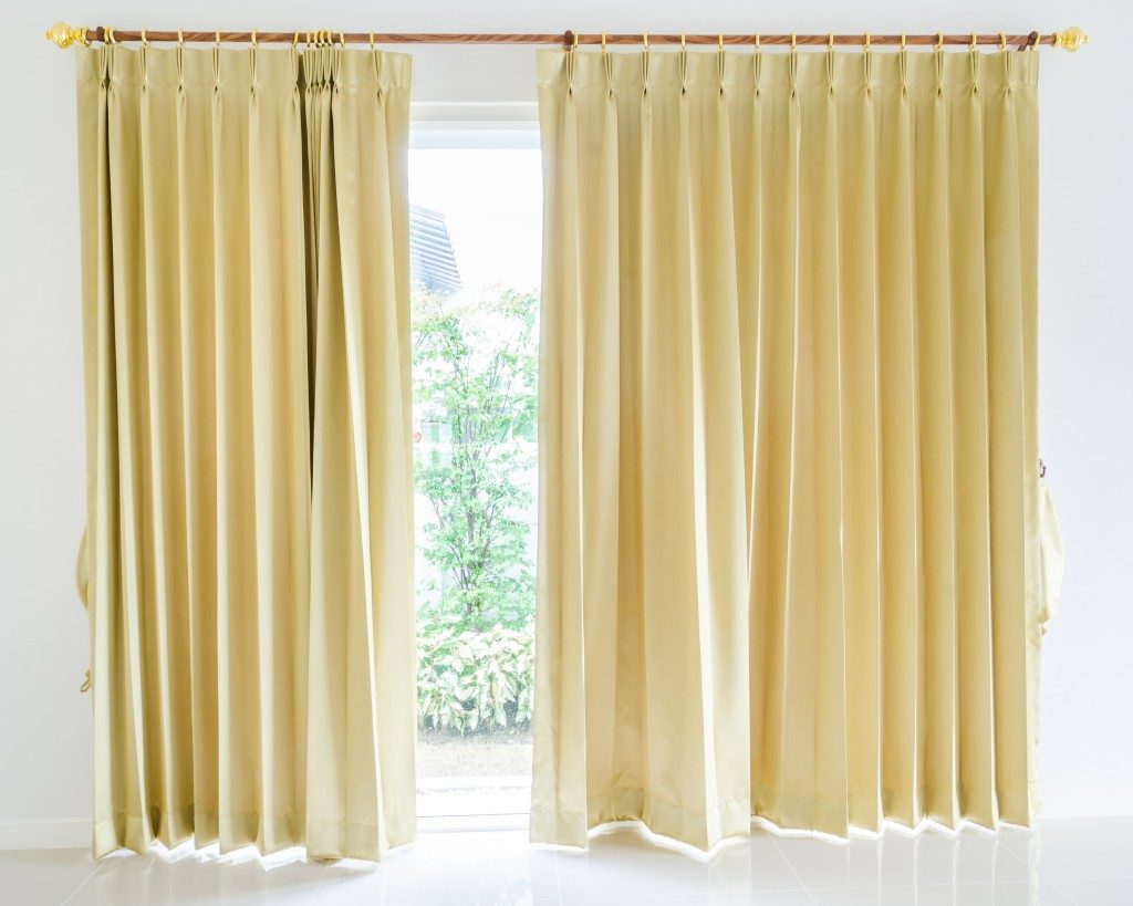 Home Design with Curtains and Drapes