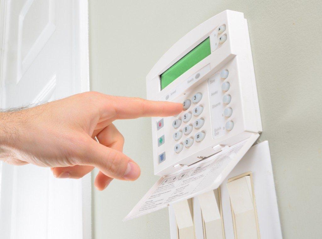 Setting house alarm setting