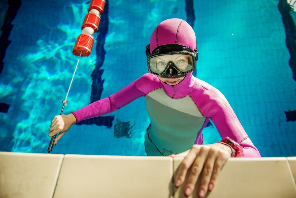 woman wearing goggles
