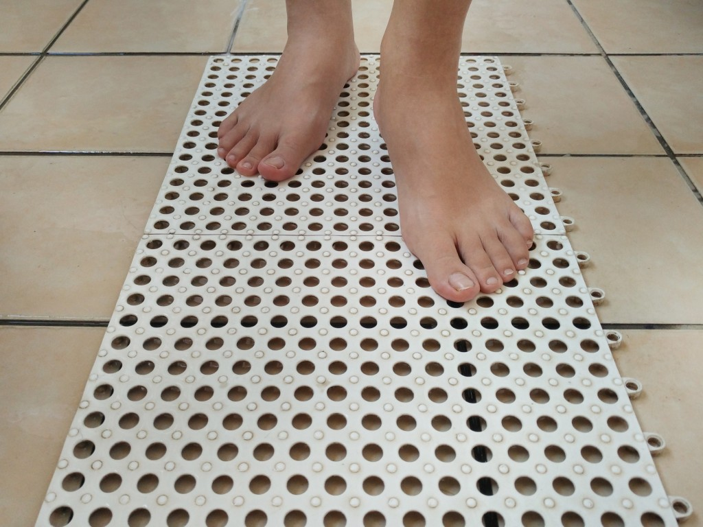 anti-slippery mat