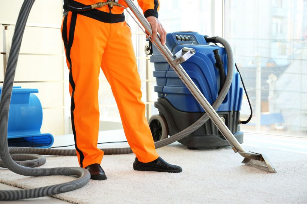 house cleaning service vacuum