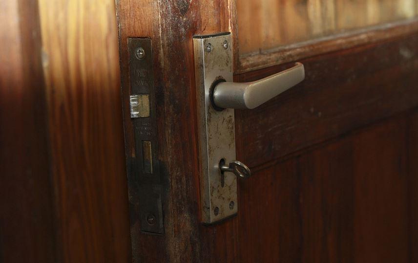 lock-door-security