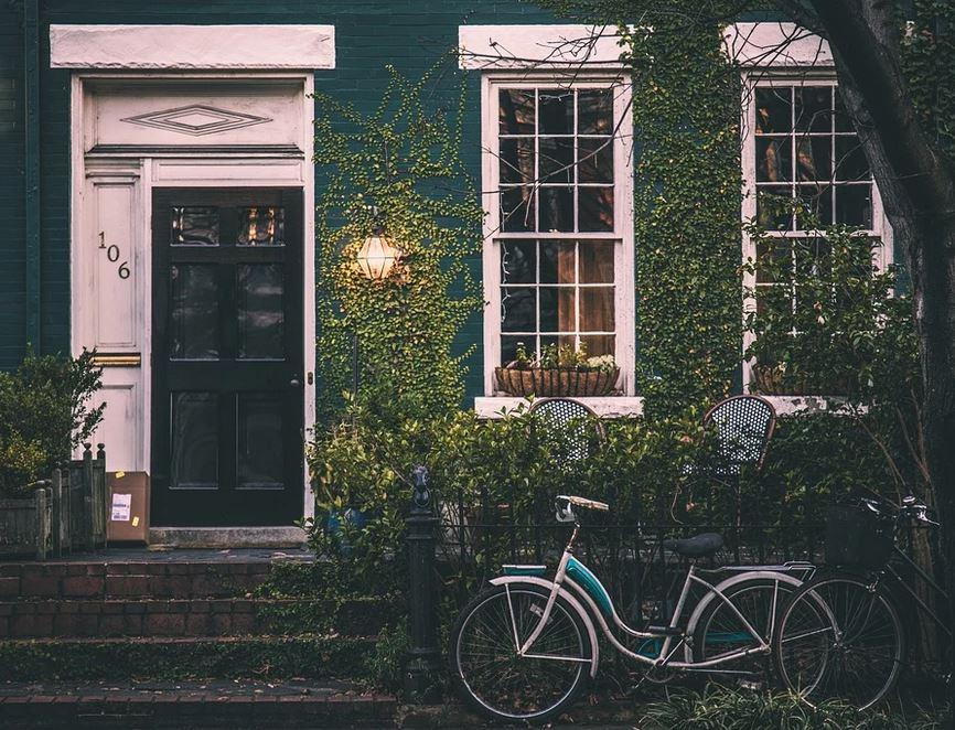 vintage-house-exterior